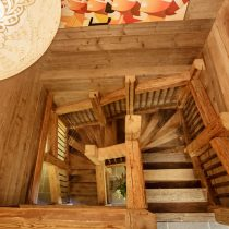 maison-dhiver-main-staircase