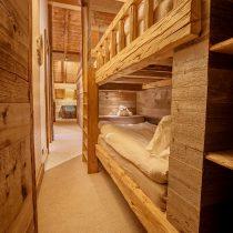 maison-dhiver-montys-bunk-den